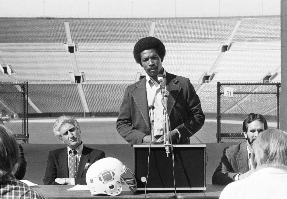 Retiring in the early 70s, Kermit Alexander played for the San Francisco 49ers, the Los Angeles Rams and the Philadelphia Eagles. (AP Photo/Reed Saxon)