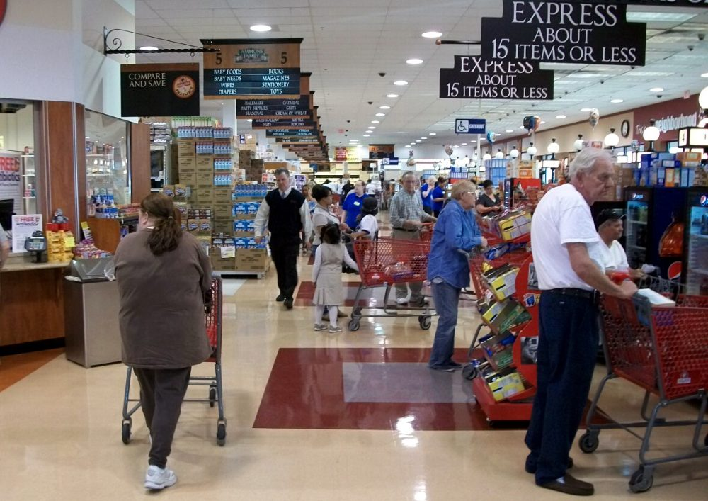 Grocery shoppers are pictured at a ShopRite in Philadelphia. Brown's Super Stores operates 11 ShopRite supermarkets. (genericbrandproductions/Flickr)