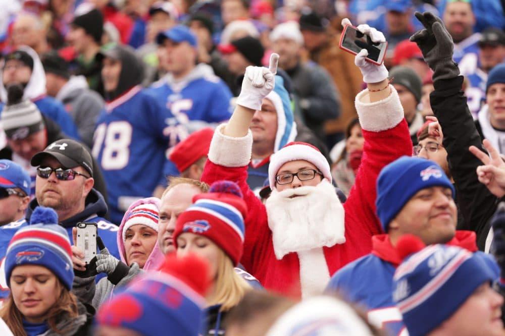 Santa roots for Buffalo.  (Brett Carlsen/Getty Images)