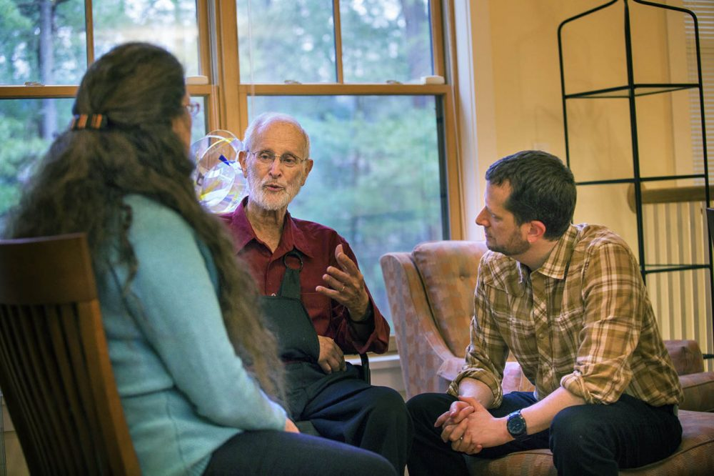 Arthur Obermayer, center, with two of his children, Marjorie Raven and Joel Obermayer. (Jesse Costa/WBUR)