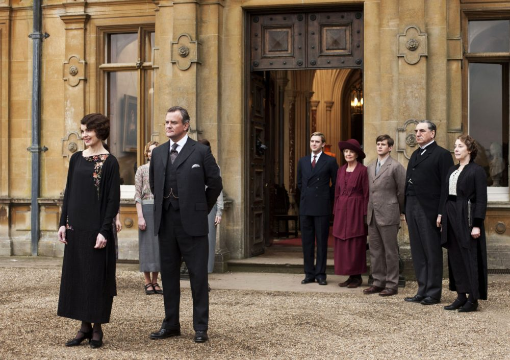 "Elizabeth McGovern as Lady Grantham, Hugh Bonneville as Lord Grantham, Dan Stevens as Matthew Crawley, Penelope Wilton as Isobel Crawley, Allen Leech as Tom Branson, Jim Carter as Mr. Carson, and Phyllis Logan as Mrs. Hughes, from the TV series, ""Downton Abbey."" (PBS, Carnival Film & Television Limited 2012 for MASTERPIECE, Nick Briggs/AP)"