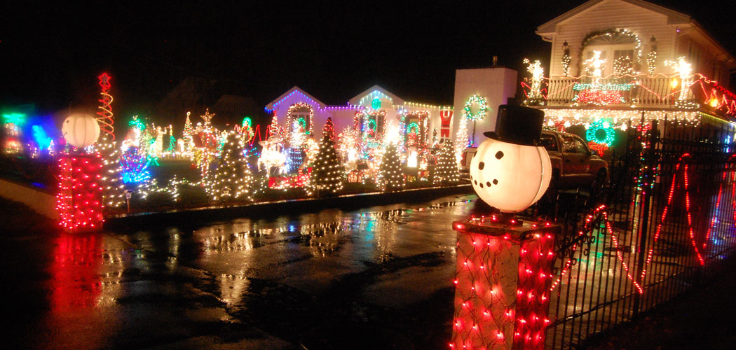 Where To See The Best Christmas Lights Around Boston | The ARTery