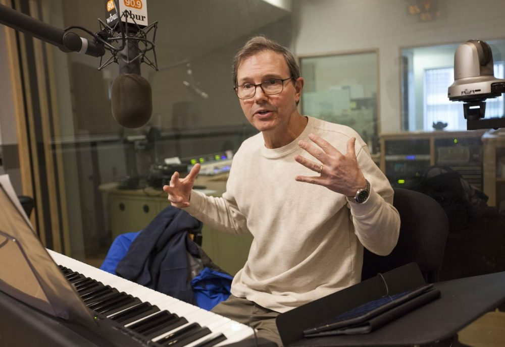 Composer, conductor and commentator Rob Kapilow visits WBUR. (Joe Difazio/WBUR)