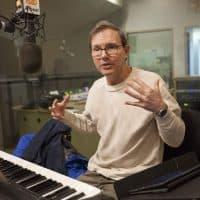 Composer, conductor and commentator Rob Kapilow visits WBUR. (Joe Difazio/WBUR)