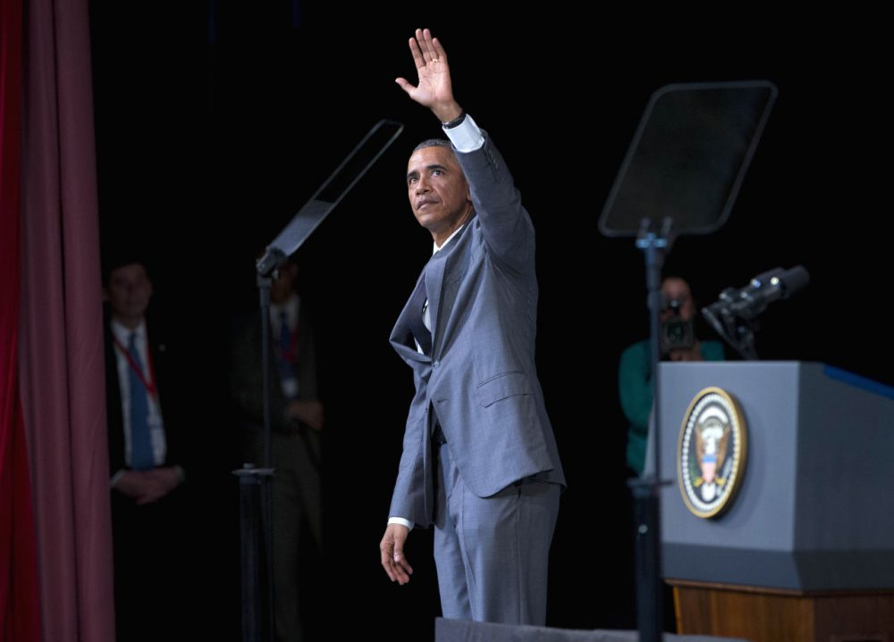 President Barack Obama waves to members of the audience after speaking at El Gran Teatro de Havana, Tuesday, March 22, 2016, in Havana, Cuba. (AP Photo/Pablo Martinez Monsivais)