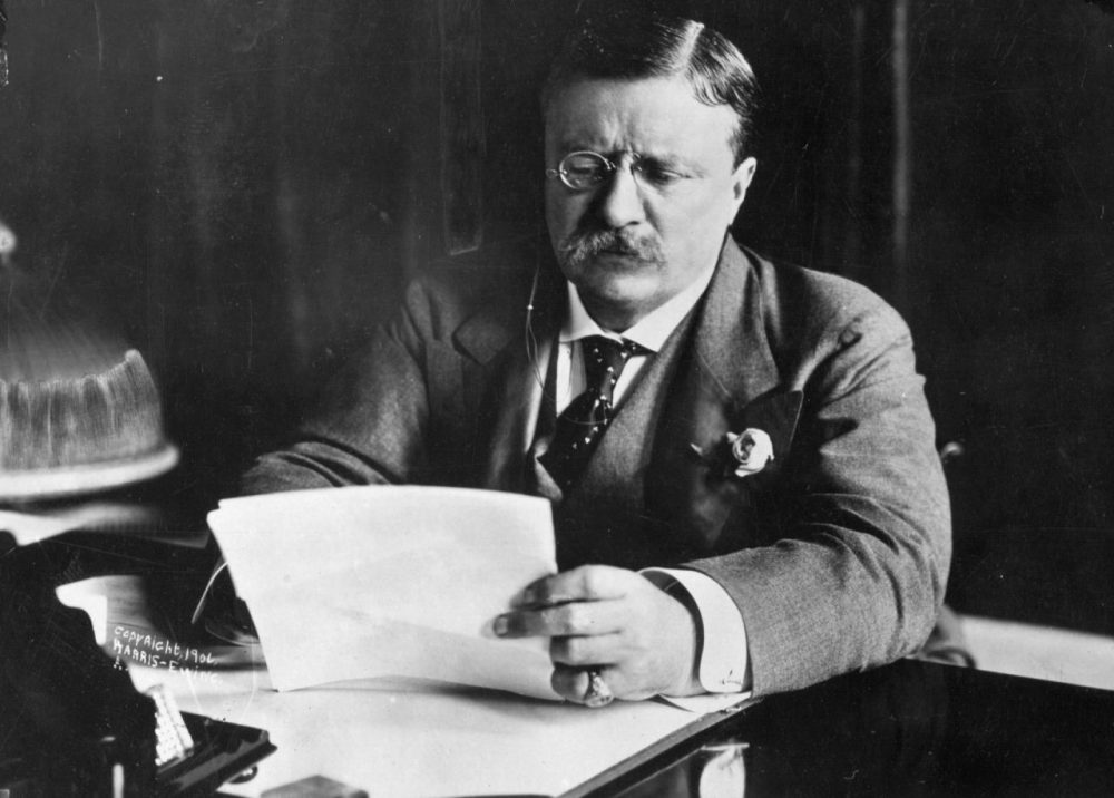 Circa 1905:  Theodore Roosevelt (1858 - 1919), the 26th President of the United States (1901-09) sitting at his desk, working.  (Hulton Archive/Getty Images)