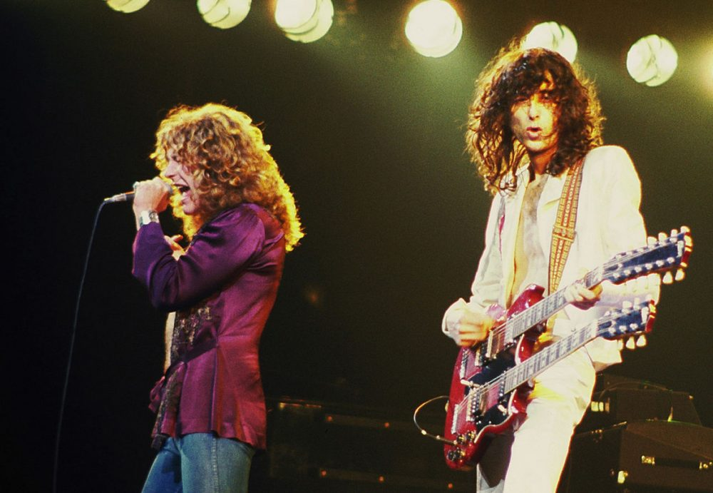 Robert Plant and Jimmy Page perform in Chicago on April 10, 1977, during Led Zeppelin's last North American tour. (Jim Summaria/Wikimedia Commons)