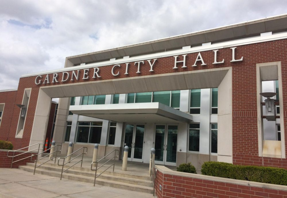 The Gardner City Council unanimously rejected a proposal to raise the legal age for purchasing tobacco to 21. (Alex Smith/KCUR)