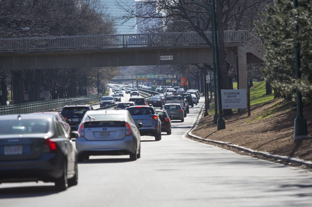 Slow traffic heading eastbound on Storrow Drive (Jesse Costa/WBUR)