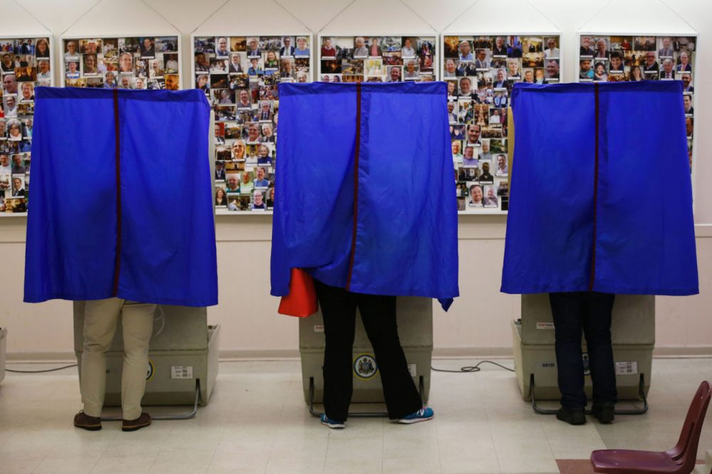 People cast their ballots in a polling station during the presidential primary election on April 26, 2016 in Philadelphia, Pennsylvania. (Eduardo Munoz Alvarez/AFP/Getty Images)