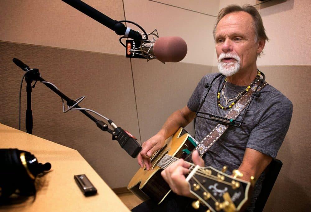 Singer and songwriter Jonathan Edwards at the WBUR studios. (Robin Lubbock/WBUR)