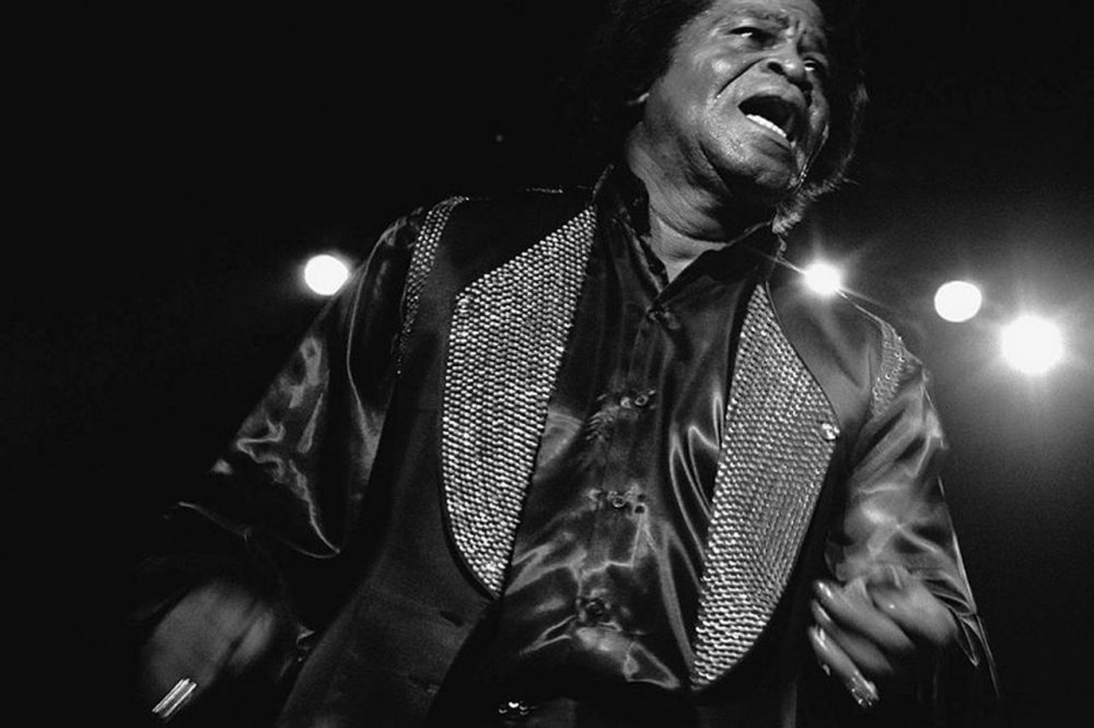 Soul icon James Brown in a 1988 performance in Bremen, Germany. (Courtney Creative Commons)