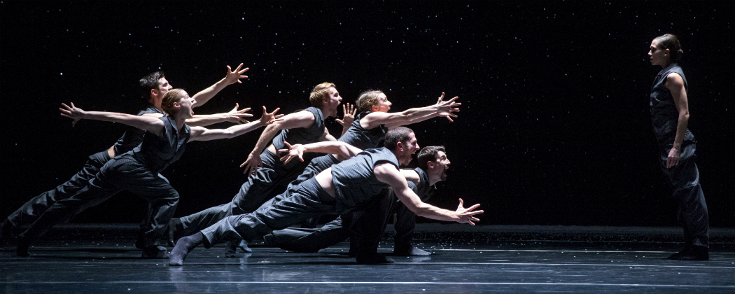 "Hubbard Street Dance Chicago performing ""Solo Echo."" (Courtesy Todd Rosenberg.)"