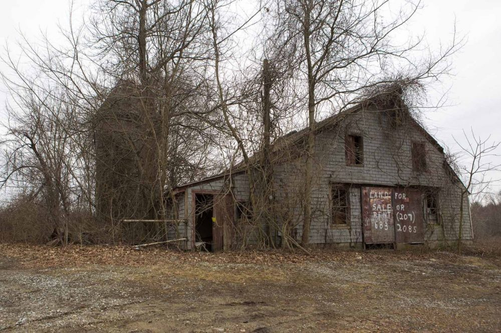 The barn on the property the Islamic center wants to turn into a cemetery (Jesse Costa/WBUR)