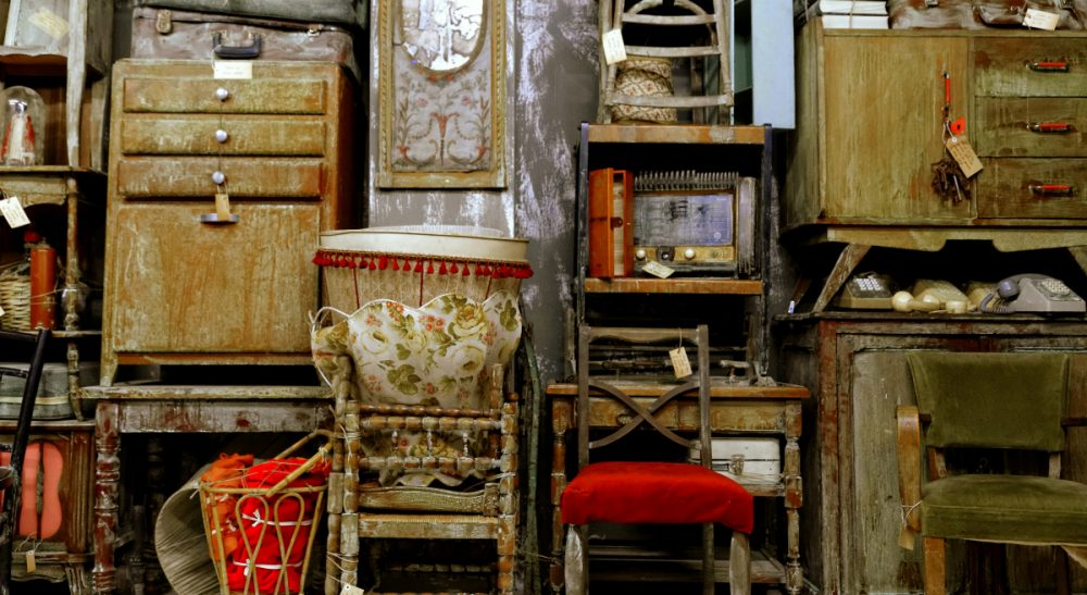 When every carefully-stored item elicits a memory and a meaning, how to decide what to keep and what to let go of? (Guillaume Delebarre/flickr)