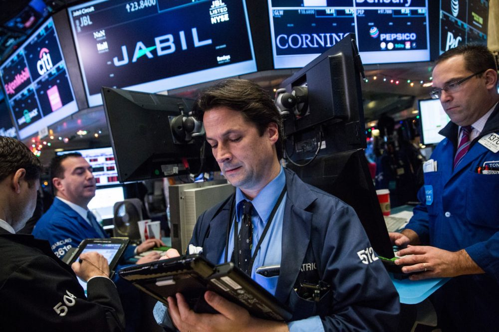 Traders work on the floor of the New York Stock Exchange during the morning of  December 14, 2015 in New York City. (Andrew Burton/Getty Images)