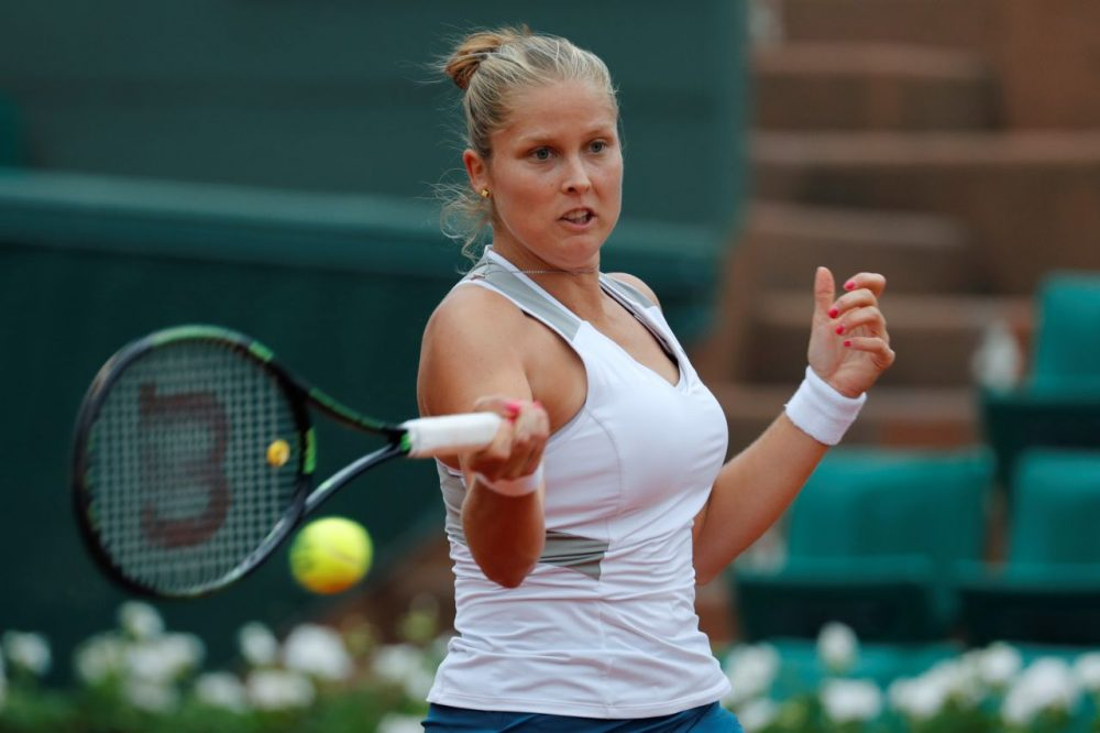 US player Shelby Rogers returns the ball to Romania's Irina Begu during their women's fourth round match at the Roland Garros 2016 French Tennis Open in Paris on May 29, 2016. (THOMAS SAMSON/AFP/Getty Images)