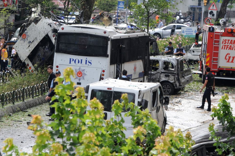 A bomb attack targeted Turkish police in a central Istanbul district on June 7, 2016, leaving several people wounded, the state-run TRT television reported.   (STRINGER/AFP/Getty Images)