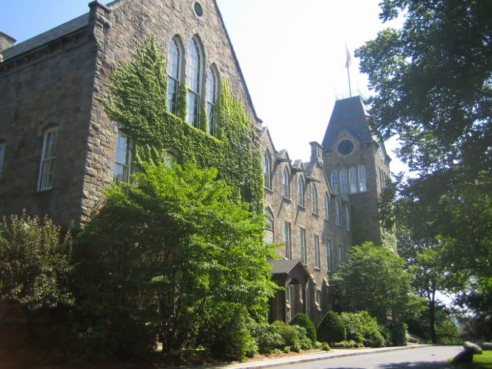 Boynton Hall at the Worcester Polytechnic Institute (Ojnabieoot/Wikipedia)