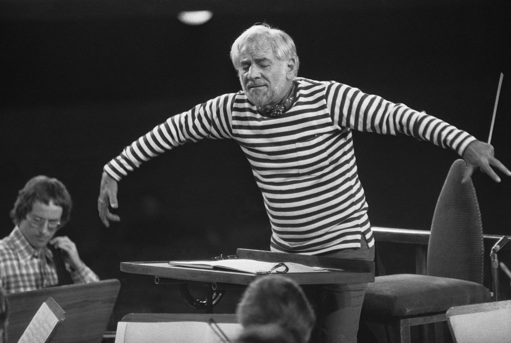 leonard bernstein conducting - photo #24