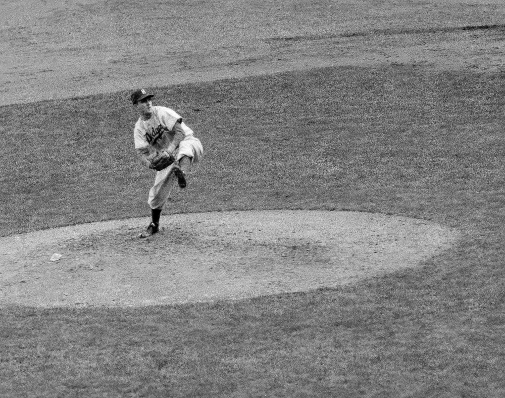 Carl Erskine threw two no-hitters and won a World Series with the Brooklyn Dodgers in 1955. (AP Photo)