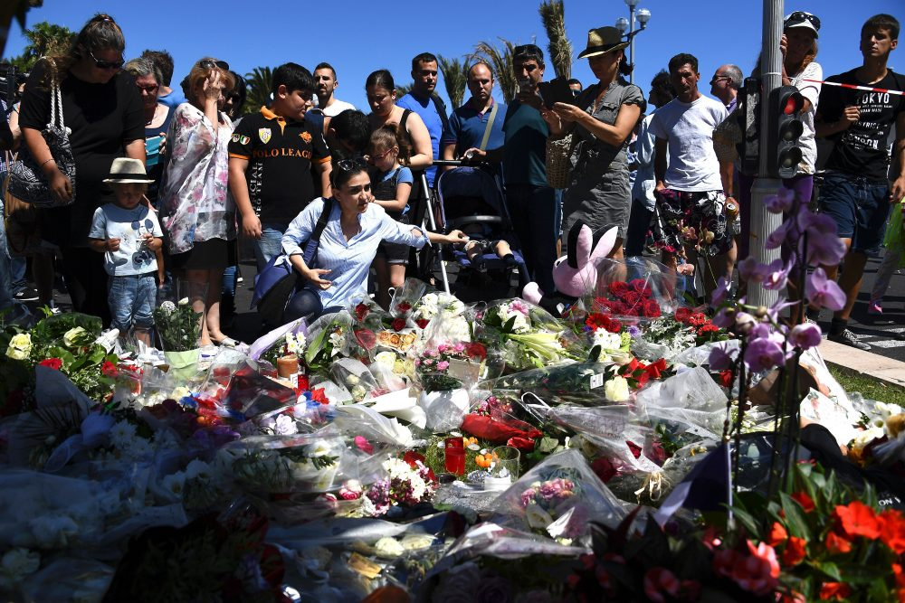 France Declares 3 Days Of Mourning After Attack In Nice Americans Among The Dead Here Now