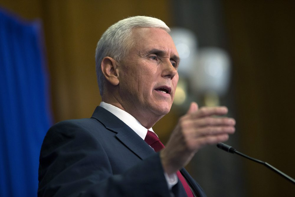 Indiana Gov. Mike Pence speaks during a press conference March 31, 2015 at the Indiana State Library in Indianapolis, Indiana. (Aaron P. Bernstein/Getty Images)