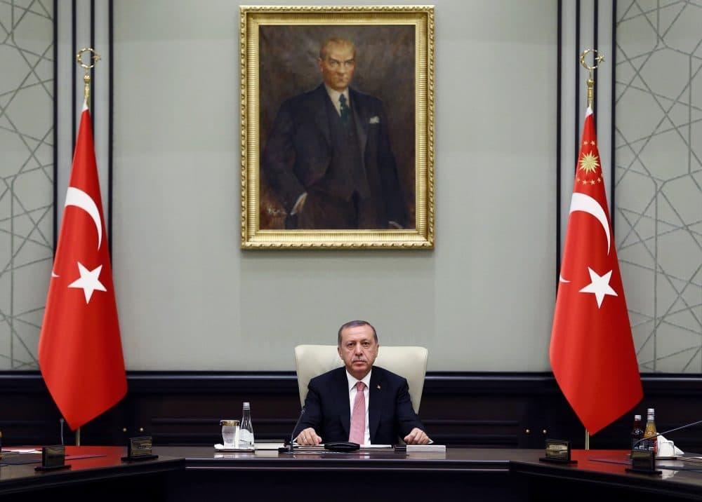 Turkey's President Recep Tayyip Erdogan heads an emergency meeting of the National Security Council in Ankara, Turkey, Wednesday, July 20, 2016.  (Kayhan Ozer/Pool via AP)