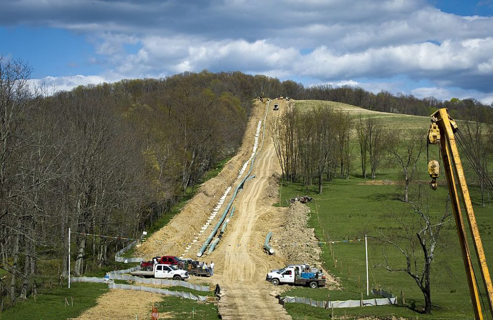 US-Energy-Gas-Environment Workers lay the pipes of a gas pipeline outside the town of Waynesburg, PA on April 13, 2012.It is estimated that more than 500 trillion cubic feet of shale gas is contained in this stretch of rock that runs through parts of Pennsylvania, New York, Ohio and West Virginia. (Mladen Antonov/AFP/Getty)