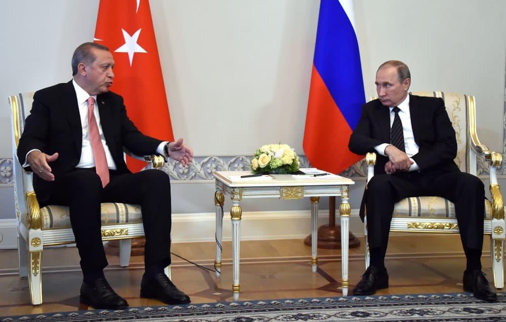 Russian President Vladimir Putin (R) meets with Turkish President Recep Tayyip Erdogan in Konstantinovsky Palace outside Saint Petersburg on August 9, 2016. (Alexander Nemenov/AFP/Getty Images)
