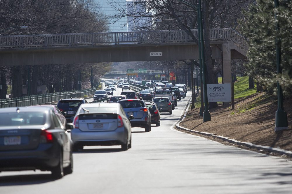 Slow traffic heading eastbound on Storrow Drive. (Jesse Costa/WBUR)
