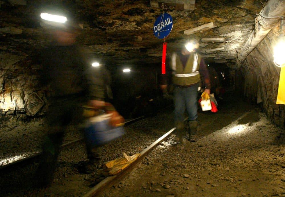 CAM Ohio coal miners head into the mine for a shift inside the Hopedale Mine near Cadiz, Ohio on March 10, 2006. (Joe Maiorana/AP)
