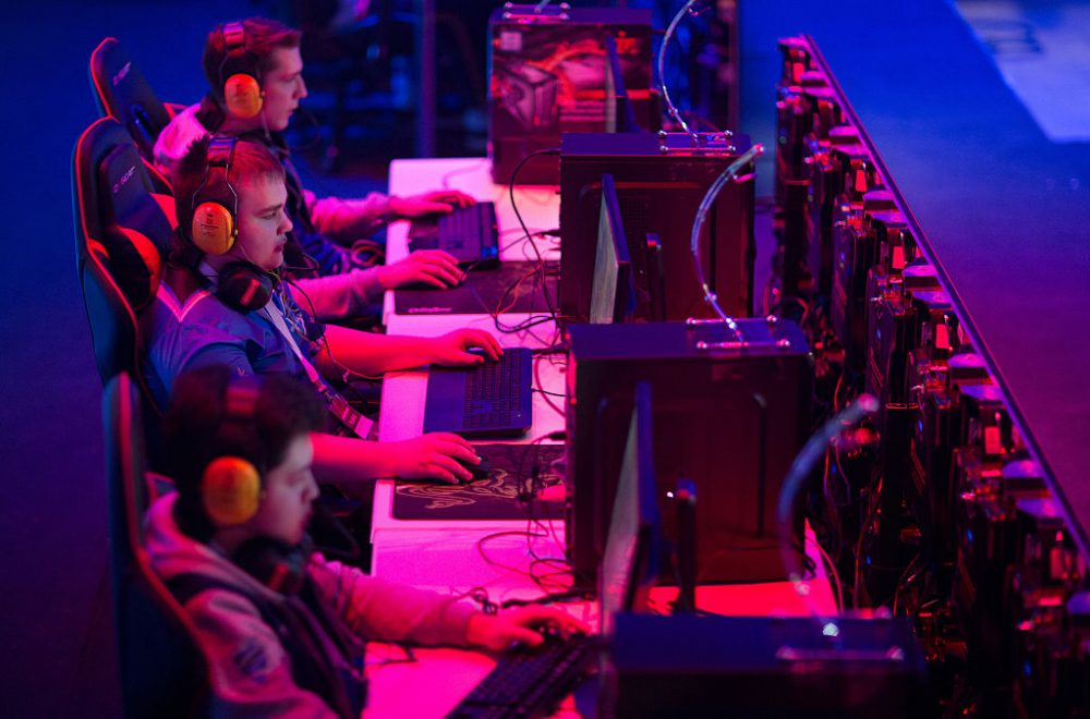 Famous athletes are investing in the e-sports industry. What's drawing them to the world of competitive gaming? (Andrey Rudakov/Bloomberg via Getty Images)