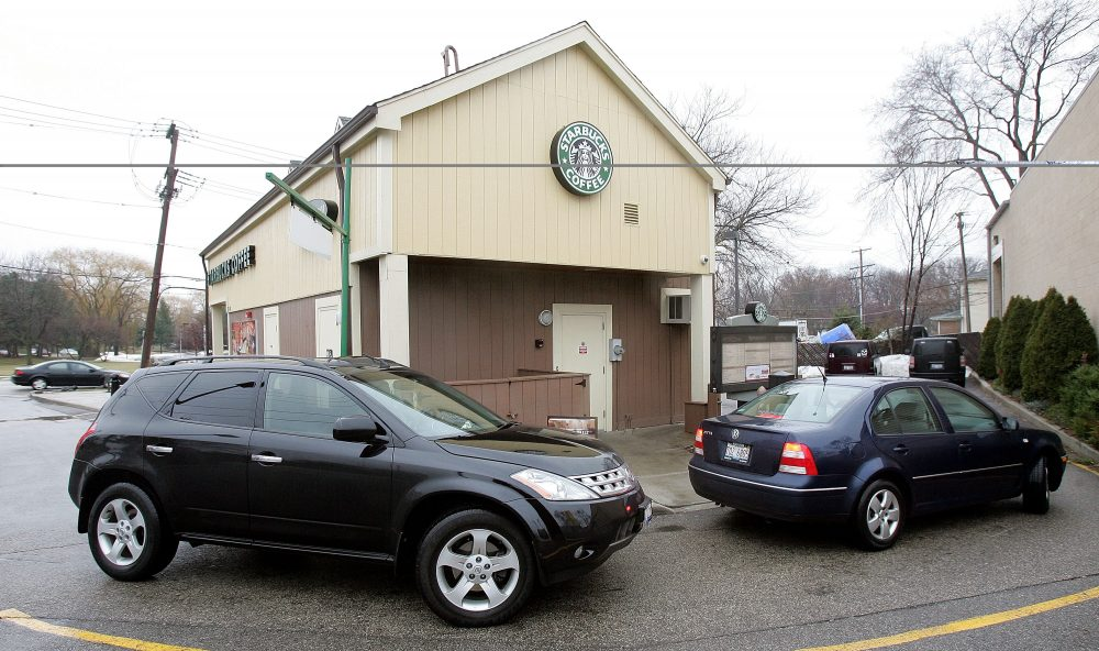Starbucks Drive Thru Service Lags Competitors In New Ranking Here