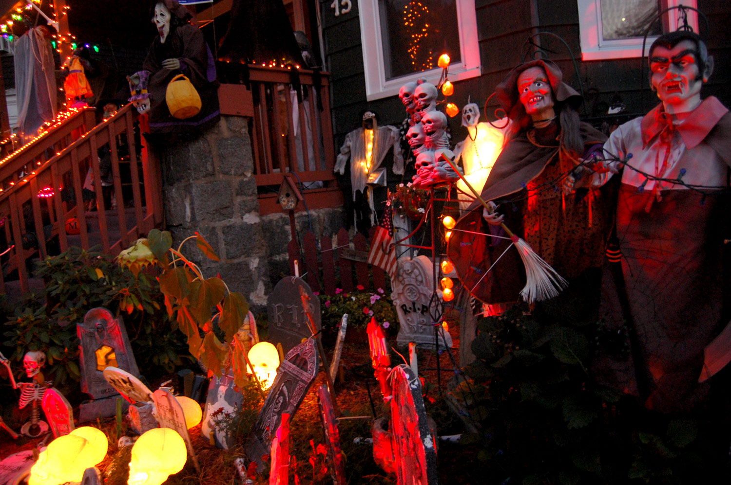 Where To Find The Creepiest Halloween Decorations Around Boston