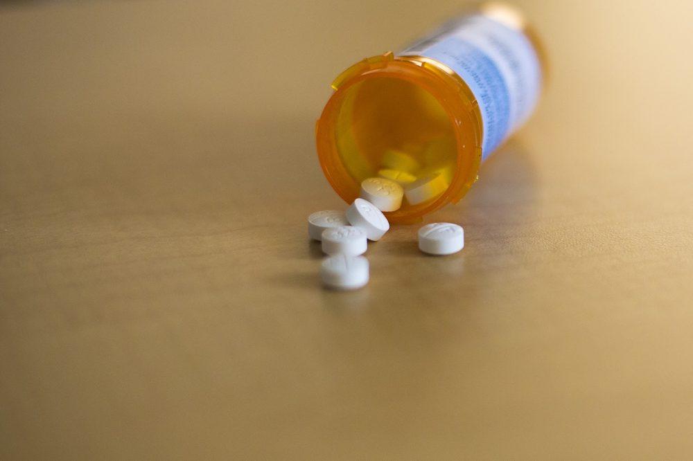 Oxycodone acetaminophen tablets (Jesse Costa/WBUR)