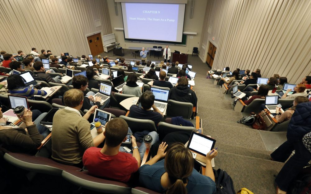 Students sit in a lecture hall at the University of Mississippi Medical School in Jackson, Miss. in January 2013. (Rogelio V. Solis/AP)