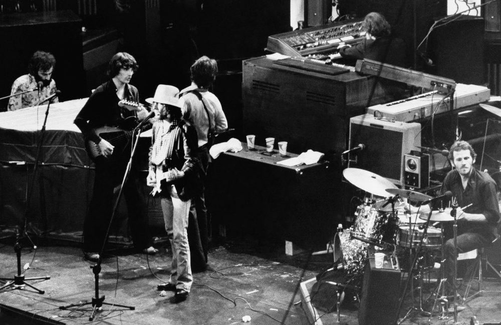 Singer Bob Dylan sings with The Band during the group's final performance at Winterland Auditorium in San Francisco, Calif., Nov. 26, 1976. (AP)