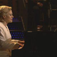 "Kate McKinnon singing ""Hallelujah"" on ""Saturday Night Live."" (SNL/YouTube screengrab)"