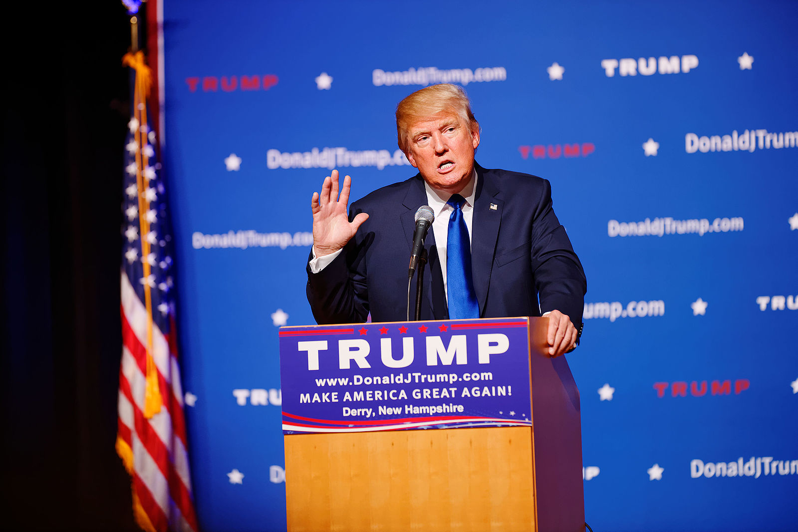 Donald Trump addresses a town-hall meeting in Derry, N.H. on Aug. 19, 2015. (Michael Vadon/Wikimedia Commons)