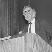Al Shanker addresses the National Press Club in 1988.