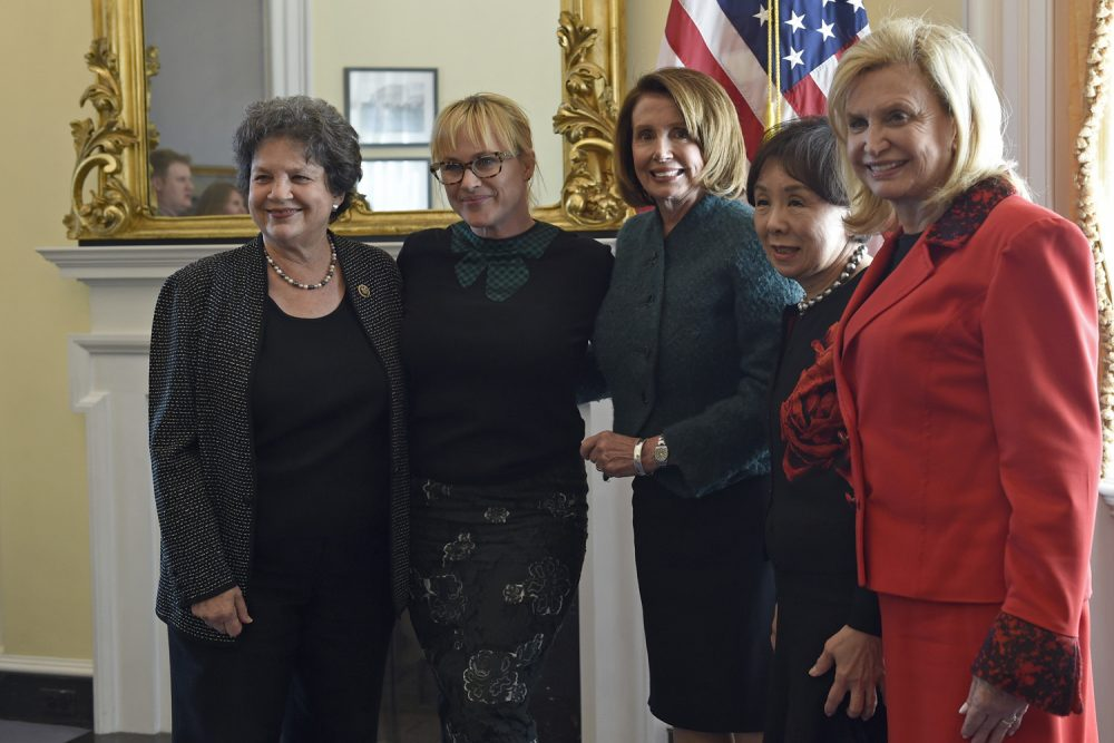 Actress and pay equity advocate Patricia Arquette, second from left, poses for a photo with, from left, Rep. Lois Frankel, D-Fla., House Minority Leader Nancy Pelosi of Calif., Rep. Doris Matsui, D-Calif., and Rep. Carolyn Maloney, D-N.Y. (Susan Walsh/AP)