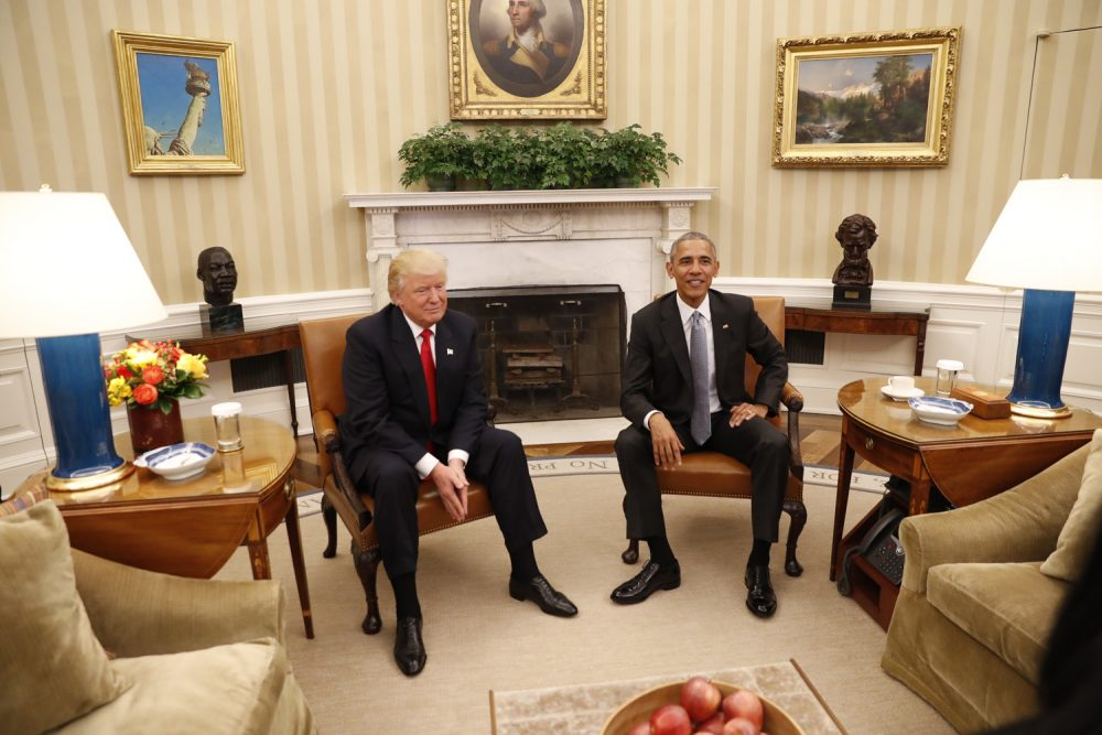 President Barack Obama meets with President-elect Donald Trump in the Oval Office of the White House in Washington. (Pablo Martinez Monsivais/AP)