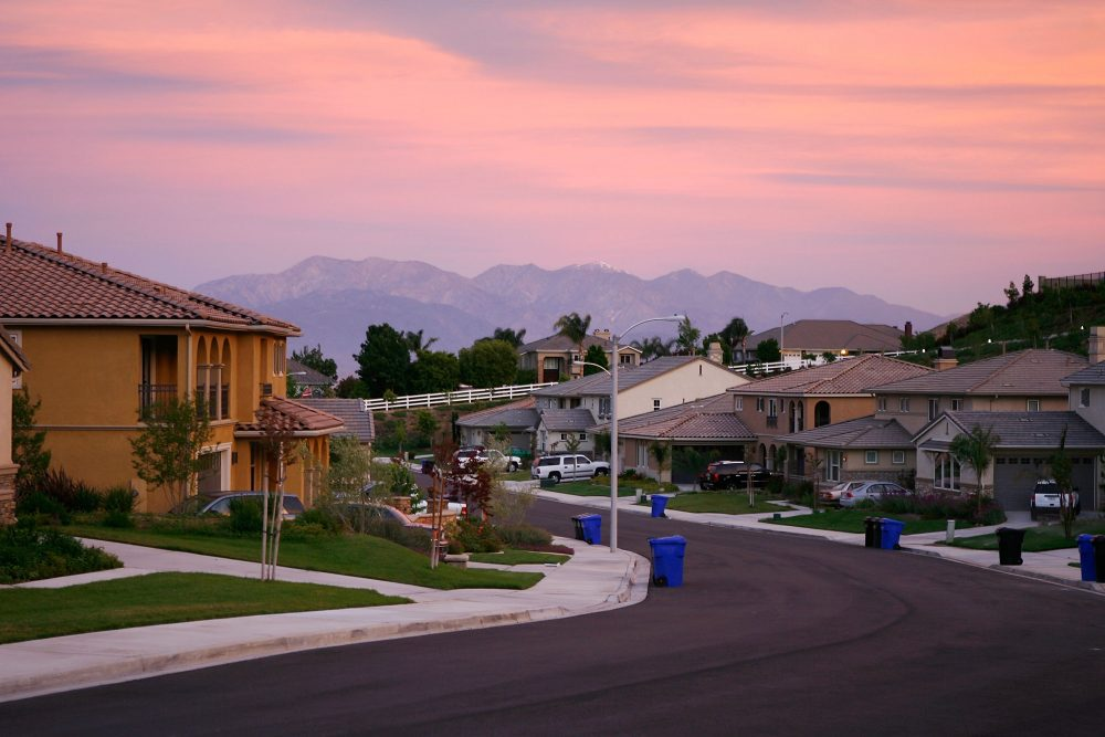 Homes are seen in suburban neighborhoods on top of the San Andreas Rift Zone, the system of depressions in the ground between the parallel faults of the San Andreas earthquake fault, in 2008 in the community of Highland, east of San Bernardino, Calif. (David McNew/Getty Images)