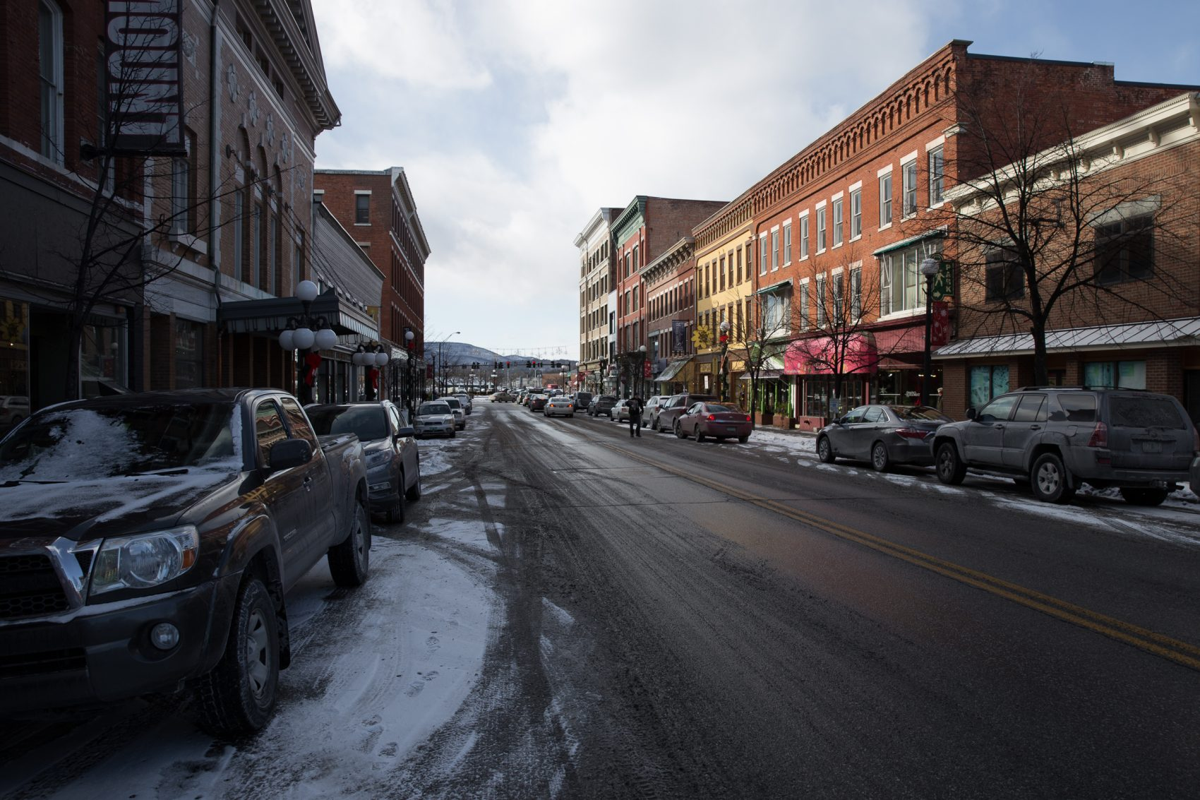 Residents of Rutland, Vermont -- a city of roughly 16,00 people  -- are divided over plans to resettle Syrian refugees there. (Ryan Caron King/NENC)