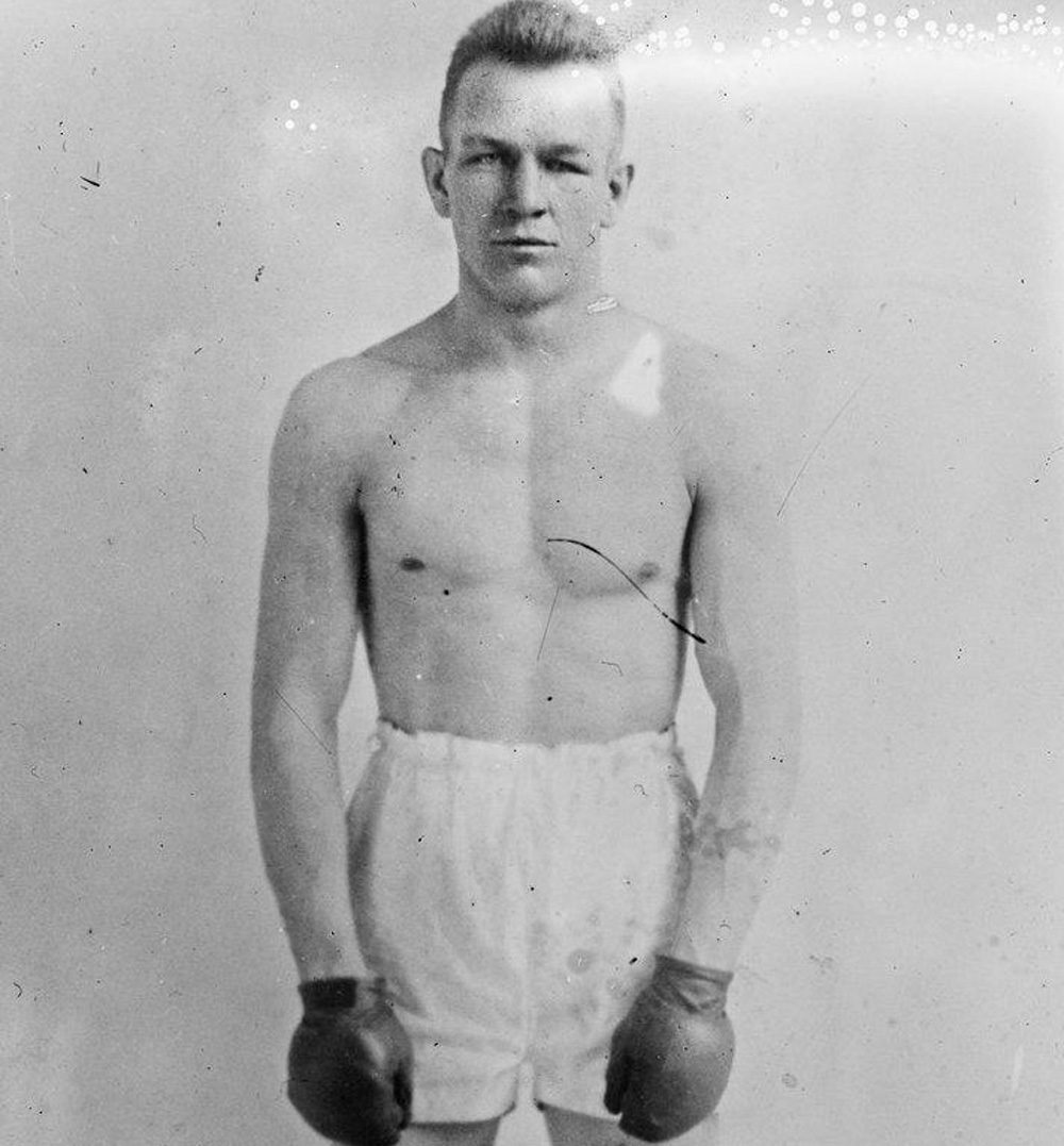 Billy Miske's last fight in the ring, on Nov. 7, 1923, earned him a $2,400 check -- enough money to bring his family the best Christmas they'd ever had. (Agence Rol - Bibliothèque nationale de France/Wikimedia)