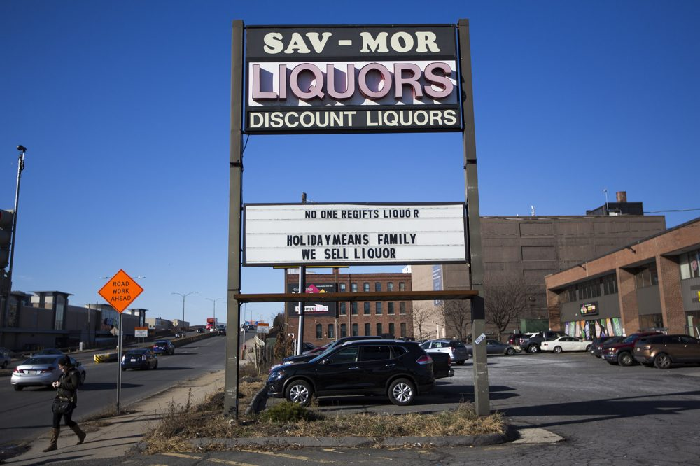 Sav-Mor Liquors sign, 15 McGrath Highway, Somerville. (Jesse Costa/WBUR)