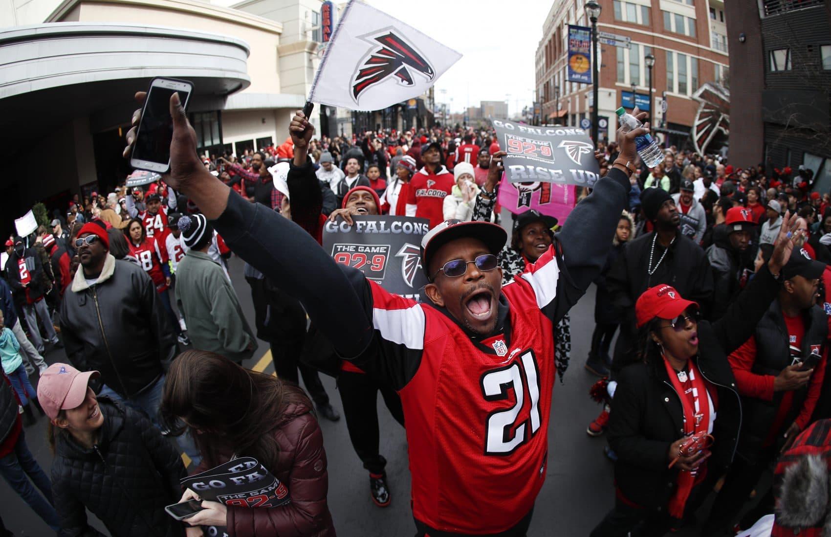 Fans cheer during a send off pep rally for the Atlanta Falcons ahead of Super Bowl LI. (John Bazemore/AP)