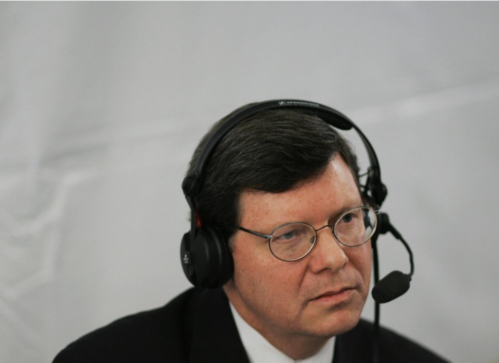 Radio host Charlie Sykes during a live broadcast in 2006. (Mandel Ngan/AFP/Getty Images)
