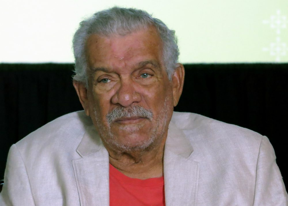 Derek Walcott, winner of the 1992 Nobel Prize in Literature, shown here at a news conference in Mexico City, April 1, 2014. Walcott, known for capturing the essence of his native Caribbean, died early Friday, March 17, 2017, on the island of St. Lucia. (Berenice Bautista/AP)